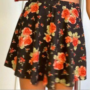super kute floral skater skirt 💃🏽